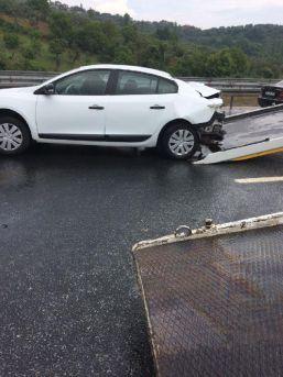 Kazadan Kurtulanlara Arkadan Gelen Otomobil Çarptı: 1 Ölü, 3 Yaralı