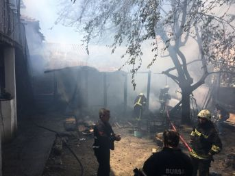 Suriyeli Mültecilerin Kaldığı Evde Korkutan Yangın