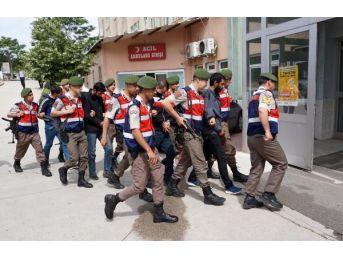 Jandarma Hayvan Hırsızlarını Ateş Açarak Durdurdu: 4 Tutuklama
