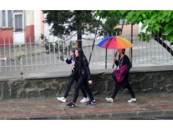 Keşan'Da Yağmur Etkili Oldu