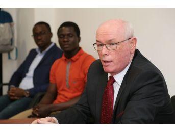 Başkan Kurt, Yüksek Lisans Sınavında Jüri Oldu