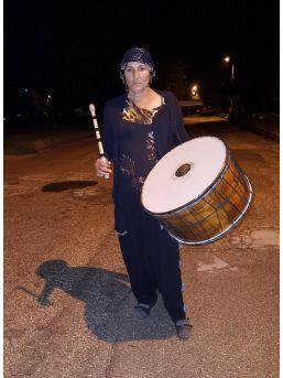 Kadın Davulcu 10 Yıldır Isparta'lıları Sahura Kaldırıyor