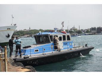 Boğaz'da, Tur Teknesinde İntihar Girişimi