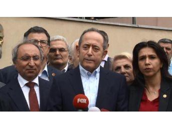 İstanbul Üniversitesi Tıp Fakültesi Hasatanesi'nin Hasdal'a Taşınmasına Protesto