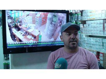 (özel Haber) Sultanbeyli'de Pes Dedirten Hırsızlık Anı Kamerada