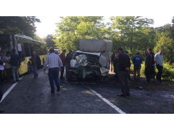 Sarıyer'de İett Otobüsü Ile Kamyonet Çarpıştı; 1 Ölü, 5 Yaralı