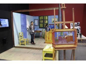 Tarihin Içinde Gerçek Gezinti Ikinci Çocuk Sanat Bienali'Nde