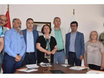İzmir Gazeteciler Cemiyeti Ve Baro'dan Tutuklamalara Tepki