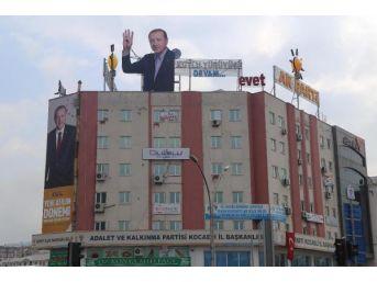 Ak Parti Kocaeli Binasına 'rabia'lı Erdoğan Fotoğrafı