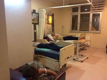 Manisa'da Yemekten Zehirlenen 64 Asker, Hastaneye Kaldırıldı (2) - Yeniden