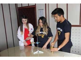 (özel Haber) Öğretmenlerinin Annesi İçin Çörek Otu İle Kemoterapi Kürünü Azalttılar, Yarışmada Dünya İkincisi Oldular
