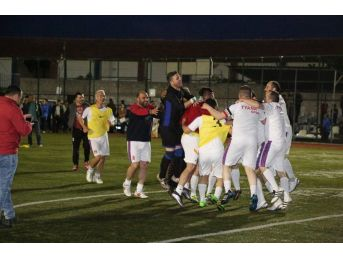 Niğde Belediyesinin 6.'sını Düzenlediği Futbol Turnuvasının Galibi 1970 Tyana Futbol Takımı Oldu