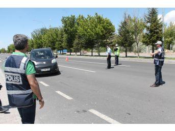Niğde'de 'türkiye Güvenli Trafik Denetimi' Uygulaması Yapıldı