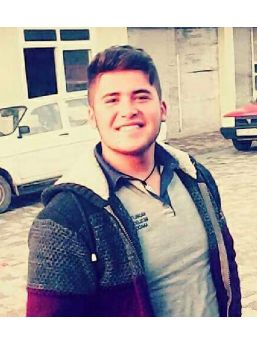 Liseli Mustafa, Kazada Öldü
