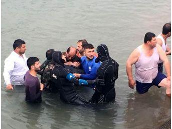 Sulama Kanalına Uçan Aracın Sürücüsü Öldü