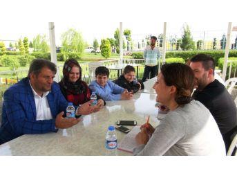 Ayhan'dan İngiliz Gazeteciye Tokat Gibi Cevaplar