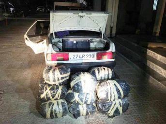 Otomobilde 76 Kilo Esrar Ele Geçti, 3 Kişi Tutuklandı