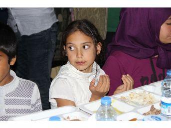 Sivas'ta 2 Bin Kişi Birlikte Oruç Açtı