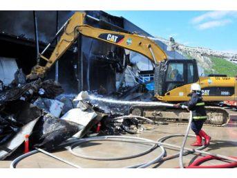 Tokat'ta Organize Sanayi Bölgesinde Yangın (2)