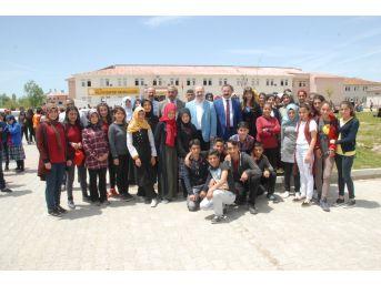"""Tuşba'da """"gençlerin Geleceğe Hazırlanması Ve Mesleki Rehberlik"""" Programı"""