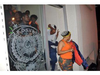 Ayvacık'ta 48 Kaçak Yakalandı