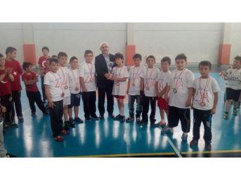 Cumhuriyet İlkokulunda Sınıflar Arası Futbol Turnuvası