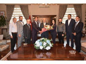 Vali Güvençer Mhp Şehzadeler İlçe Yönetimini Ağırladı