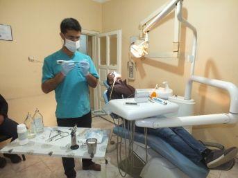Malazgirt'in Tek Ağız Ve Diş Sağlığı Kliniği İftar Sonrası Da Hizmet Veriyor