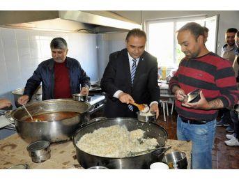 Gürün'de Her Gün 550 Aileye İftar Yemeği Dağıtılıyor