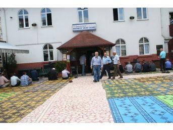 Ramazan Ayının İlk Cumasında Camiler Dolup Taştı