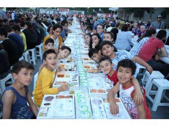 Mahalle İftarlarında, Ramazan'ın Bereketini Paylaştılar