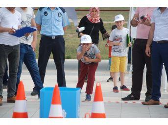 Çorlu'da Atık Cep Telefonu Fırlatma Yarışması Yapıldı