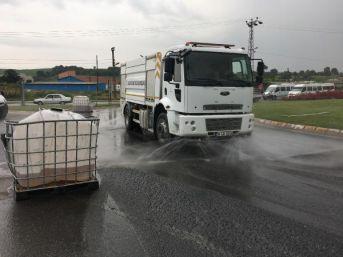 Kamyondan Düşen Iki Varildeki 4 Ton Hidroklorik Asit Yola Döküldü