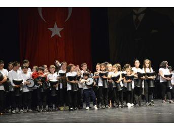 Çocuk Ritim Topluluğu İlk Gösterisini Gerçekleştirdi