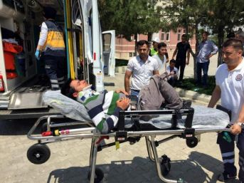 Kontrolden Çıkan Otomobil Bedensel Engelliye Çarptı