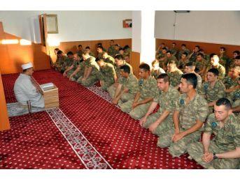 Üç Ülkeye Olan Sınırı Koruyan Mehmetçik'in Bayram Sevinci
