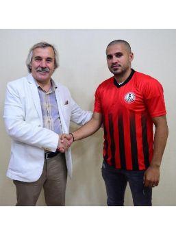 Orhangazi Belediyespor Recep Onur Çelik'le Sözleşme Imzaladı