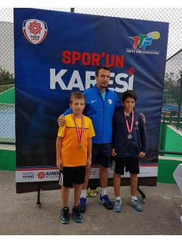 Yıldırımlı Tenisçilerden Çifte Şampiyonluk
