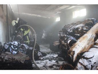 Tekstil Deposunda Yangın