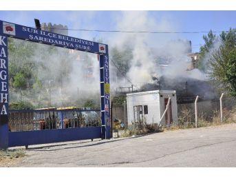Diyarbakır'da Çocukların Attığı Maytap Yangın Çıkardı