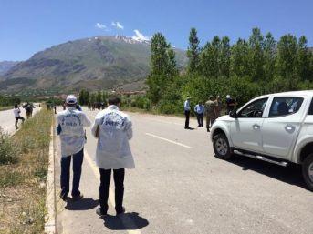 Teröristler, Askeri Konvoy Geçerken Patlayıcıyı Infilak Ettirdi (2)
