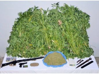 Nizip'te Uyuşturucu Madde Ve Silah Ele Geçirildi
