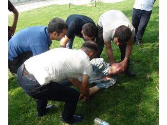 (özel Haber) Taksim Gezi Parkı'nda İbretlik Görüntü