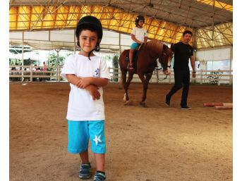 Yaz Spor Okulları Eğitime Başladı