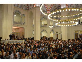 Kırıkkale'de Kadir Gecesi'nde Camiler Doldu Taştı