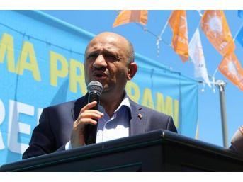 Bakan Lşık, Gebze'de Partililerle Bayramlaştı (2)