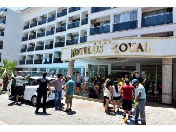 Marmaris'te Otel Kapısında Kalan Aileler Muhatap Bulamadı (2)