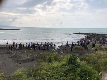 Trabzon'da Denizde Kaybolan Genç Aranıyor...