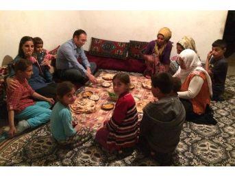 Akgül, Dar Gelirli Ailelerin Sofrasına İftar Konuğu Oldu