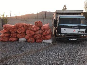 Başkale'De 1 Ton Kaçak Tütün Ele Geçirildi